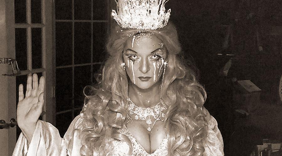 Her Royal Heinie & The Pony Girls
